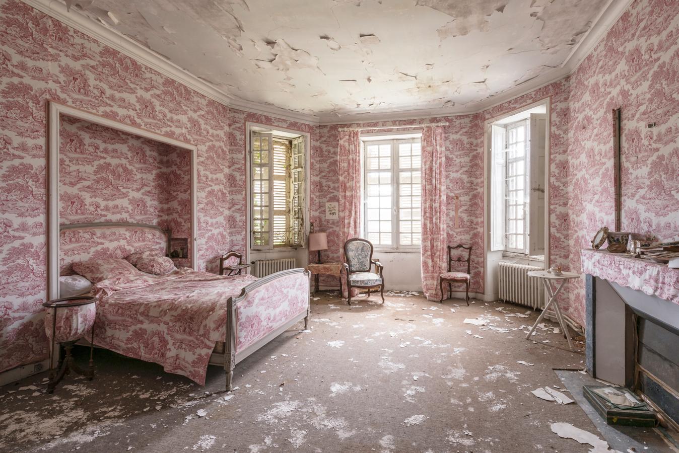Photographer: Romain Veillon & Abandoned Spaces Around the World
