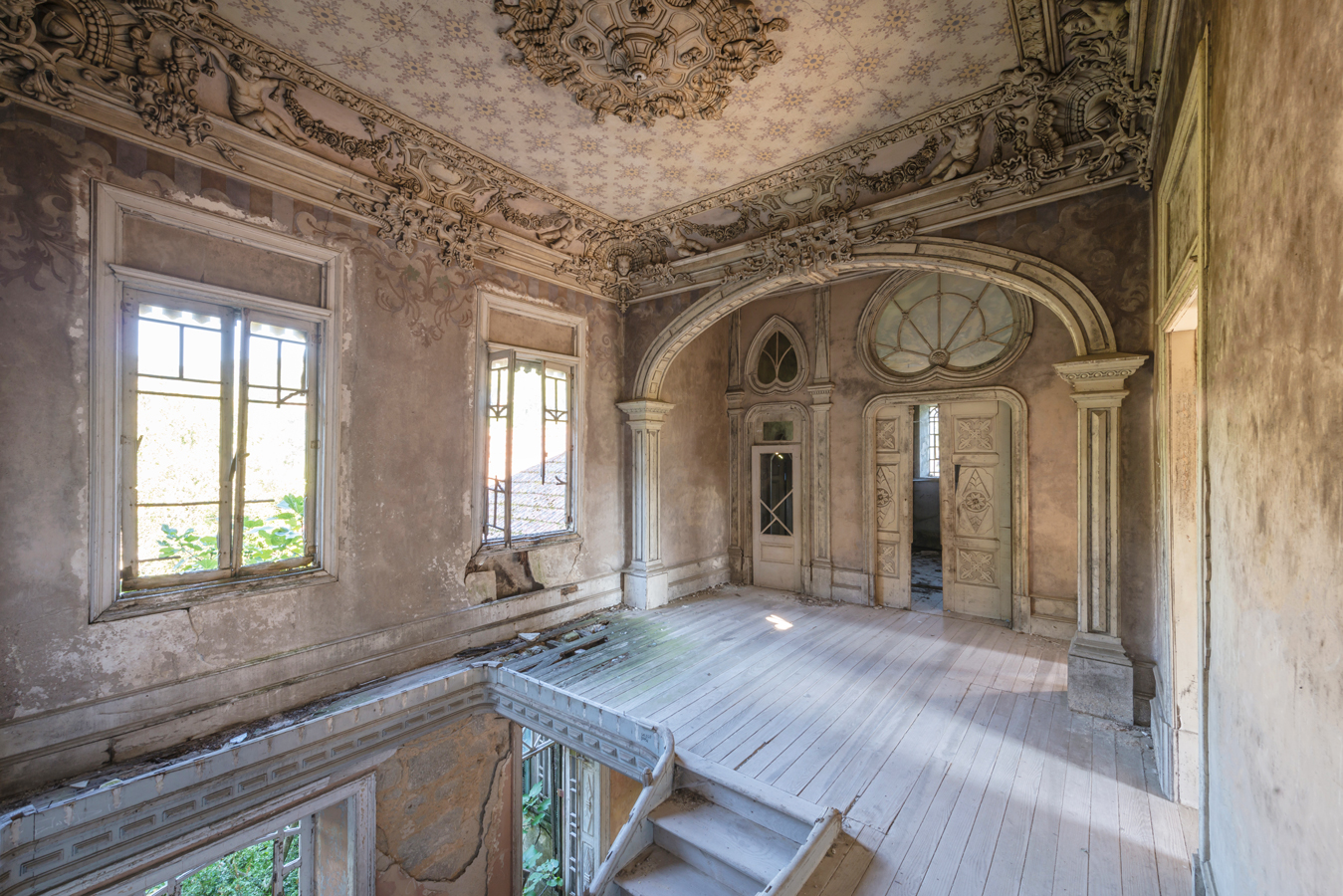 Photographer: Romain Veillon & Abandoned Spaces Around the World